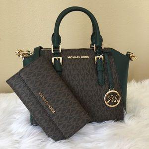 New Michael Kors Ciara messenger bag & wallet